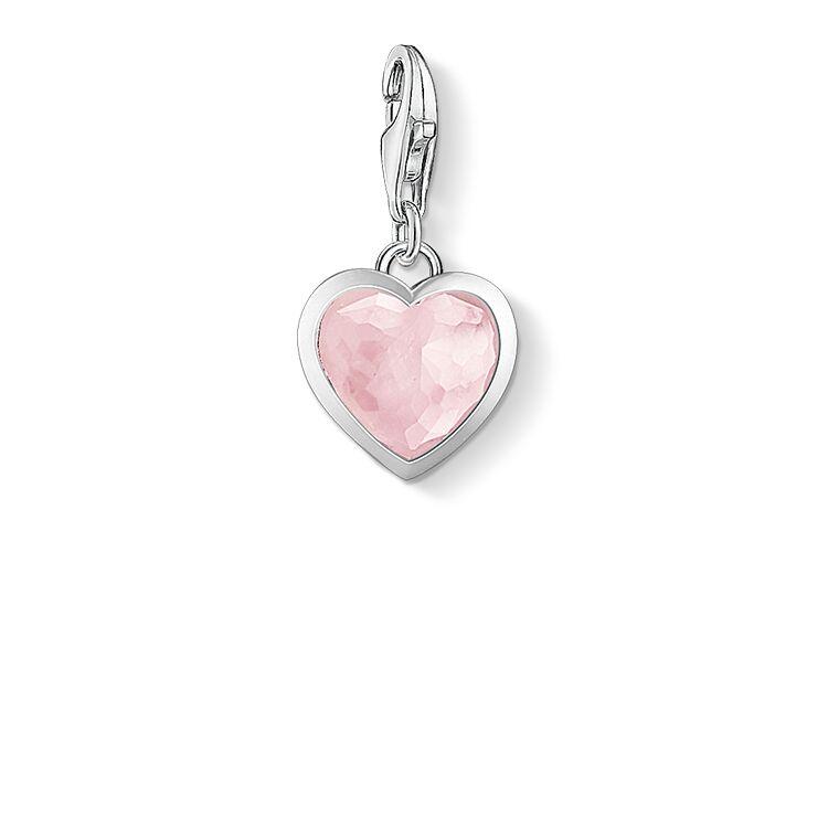 corazón = Fuente de vida y resguardo de nuestros sentimientos,  primordialmente de el AMOR que es el más fuerte de todos. Significa promesa de amor eterno y amor propio.