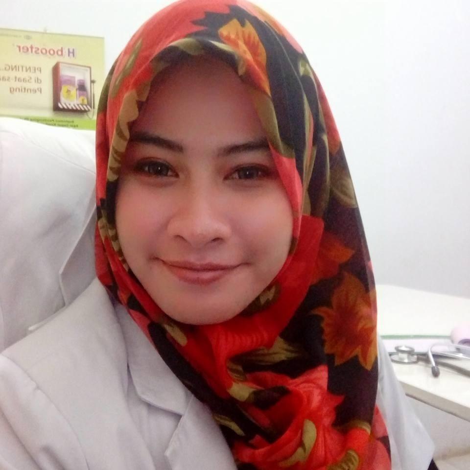 dr. Rian Damayanti