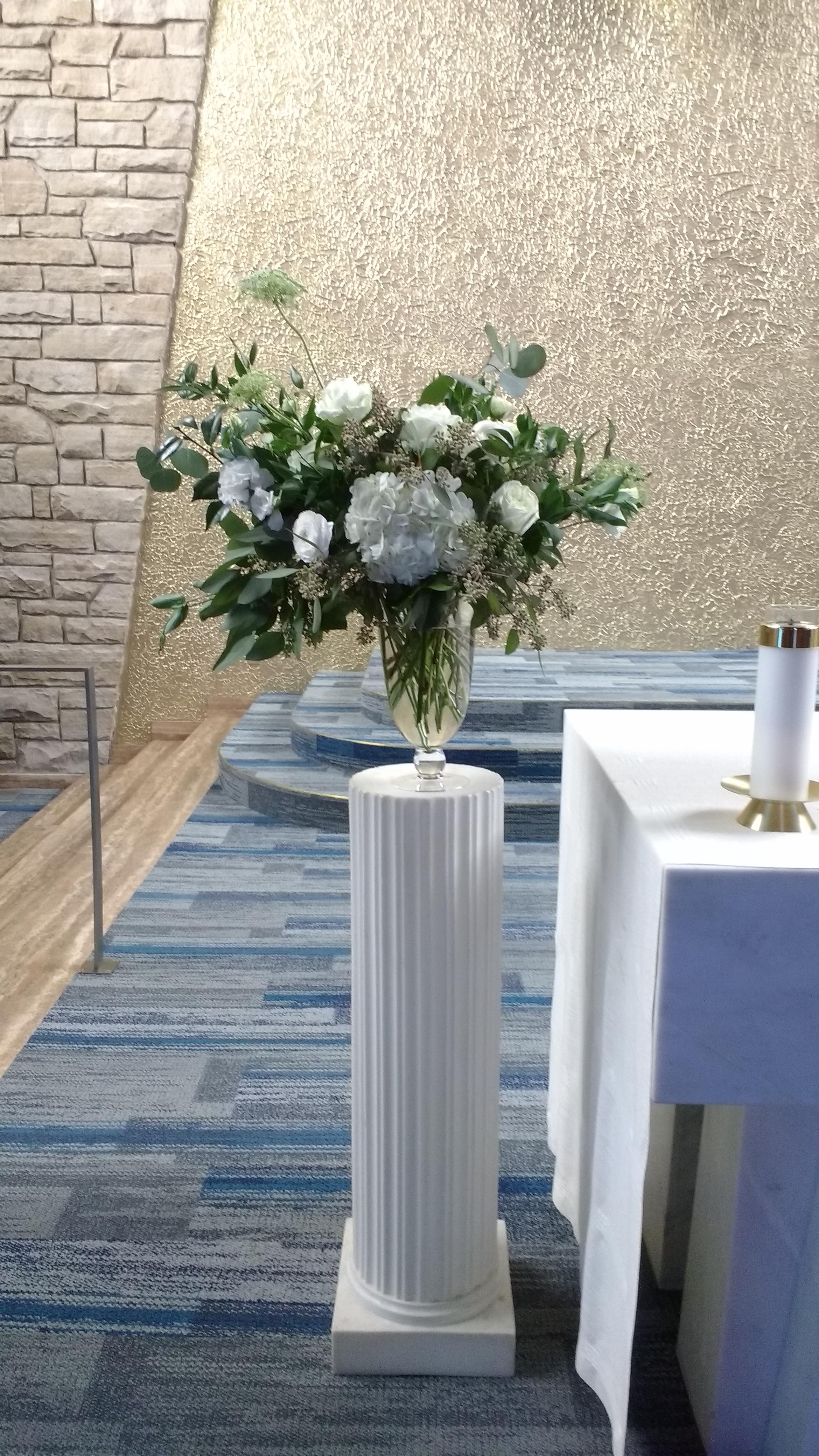 Ceremony space arrangement