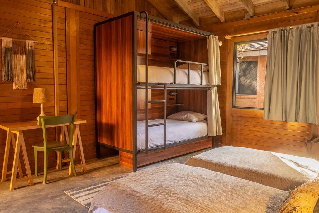 Cama en Habitación Cuádruple con baño compartido $13,921 por persona
