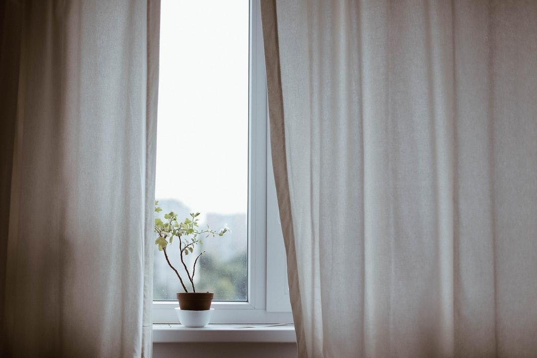 Curtains - one big gap